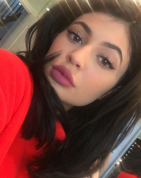 1453203975_kylie-jenner-new-lip-kit-worries-fans