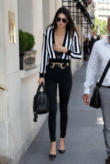 kendall-recently-spotted-out-about-paris-dressed